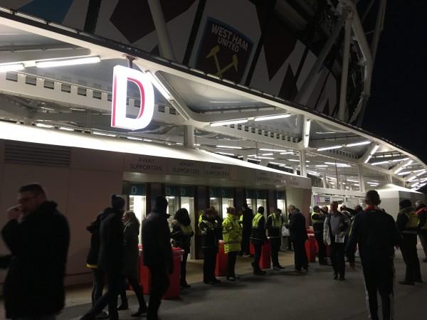 ロンドンスタジアム v ウェスト・ハム  ウェストハム