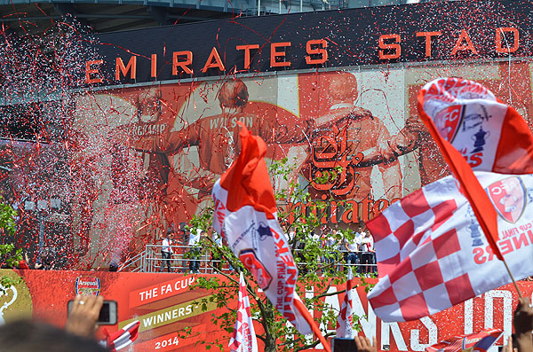 Arsenal FA CUP カップ 優勝パレード