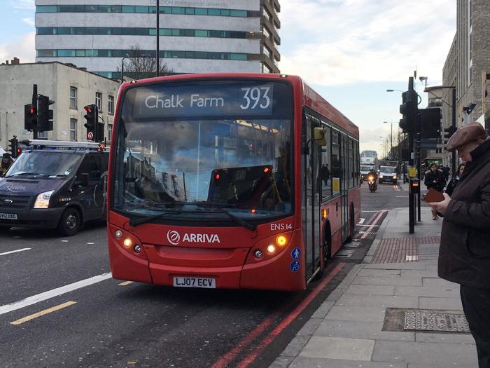 ロンドン バス 393