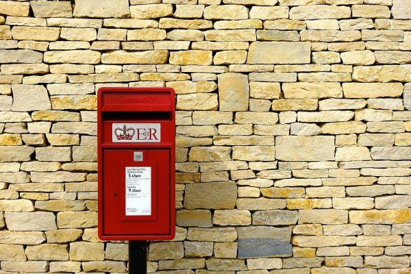 イギリス 郵便 ポスト ロイヤルメール