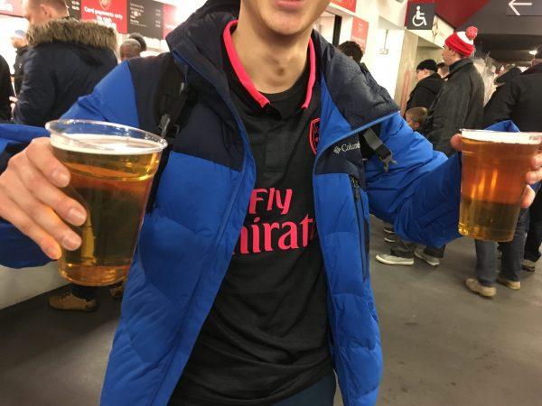 v Everton 17-18 エミレーツ・スタジアム ビール