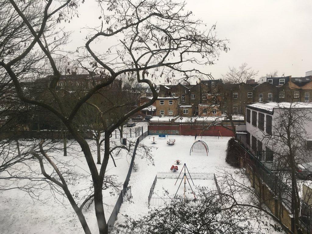 ロンドン 雪