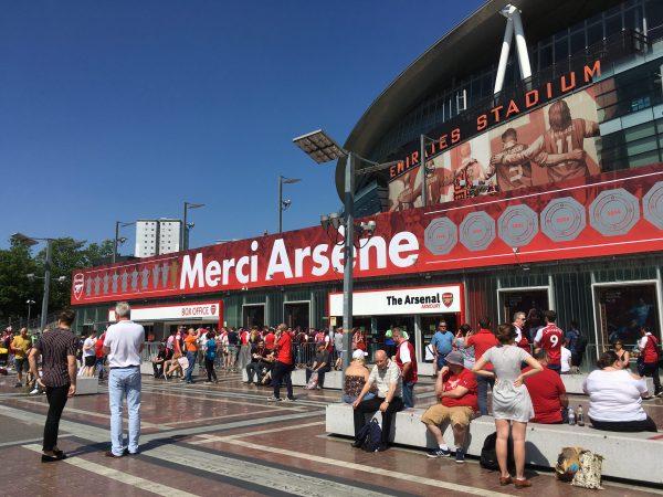 v バーンリー Merci Arsene エミレーツ・スタジアム Emirates Stadium