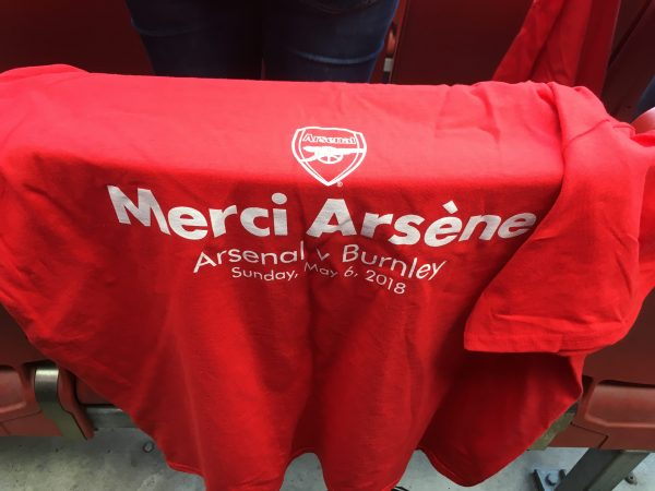 v バーンリー サポーター シャツ Merci Arsene エミレーツ・スタジアム Emirates Stadium 記念Tシャツ