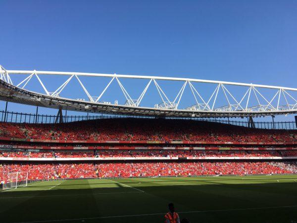 v バーンリー サポーター シャツ Merci Arsene エミレーツ・スタジアム Emirates Stadium