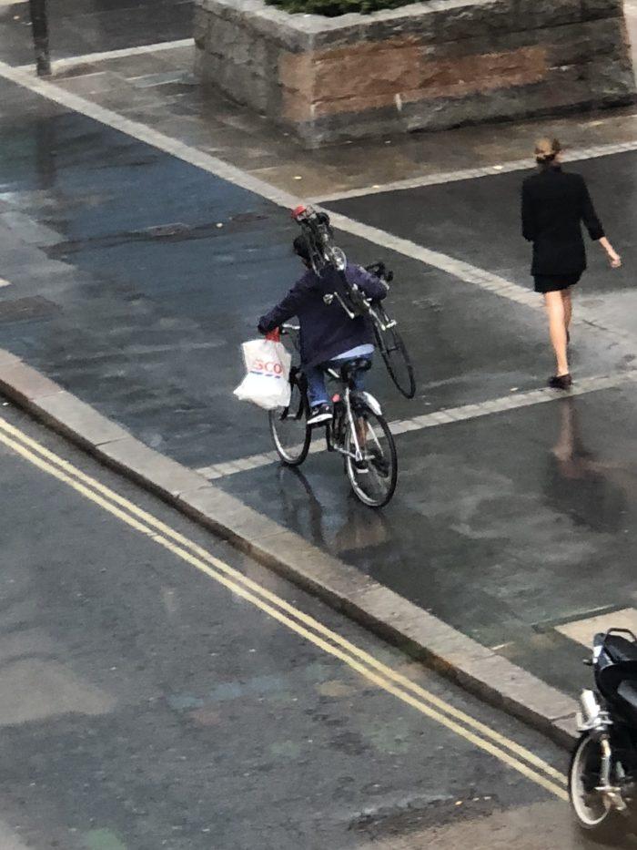 ロードバイク 自転車 盗難チャリパク タイヤ