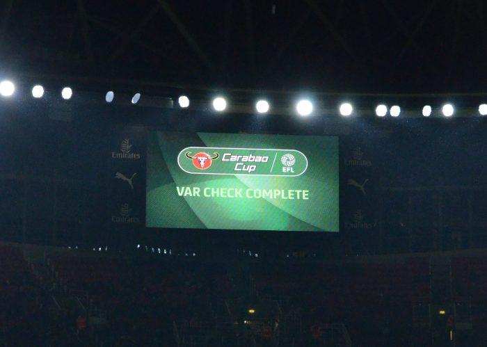 カラバオカップ v ブラックプール VAR