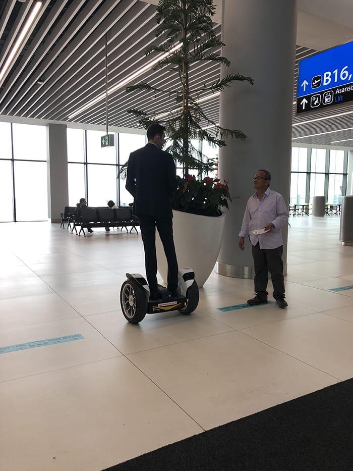 EL決勝 v チェルシー イスタンブール空港