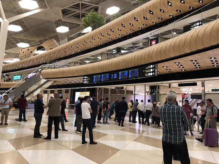 EL決勝 v チェルシー アゼルバイジャン空港