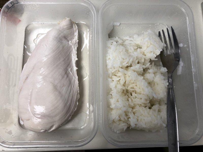 さるザップ 食事 鶏肉