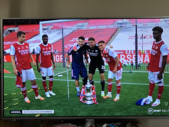 FAカップ決勝 v チェルシー 記念写真 マルティネス ガブリエル トレイラ