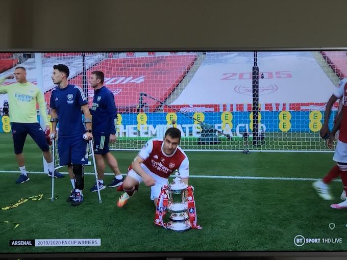 FAカップ決勝 v チェルシー 記念写真 パパ パピー