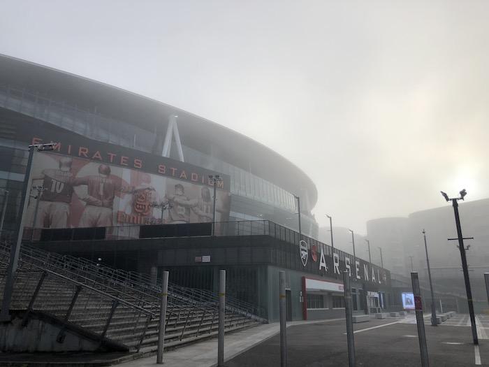 エミレーツスタジアム ロックダウン 濃霧