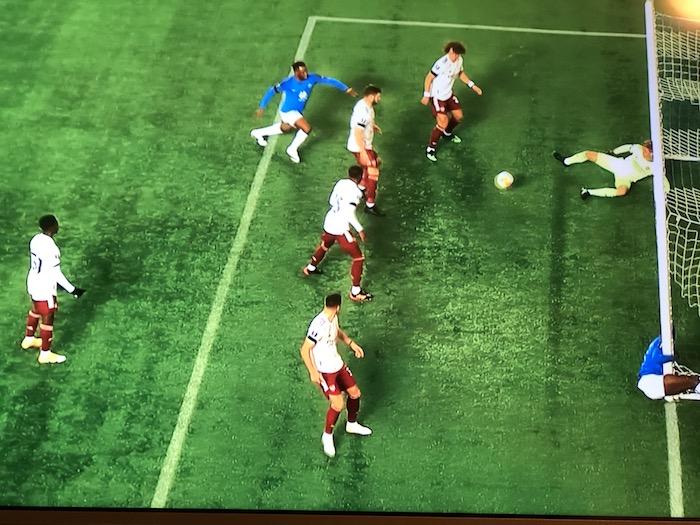 EL モルデFK ゴールポスト